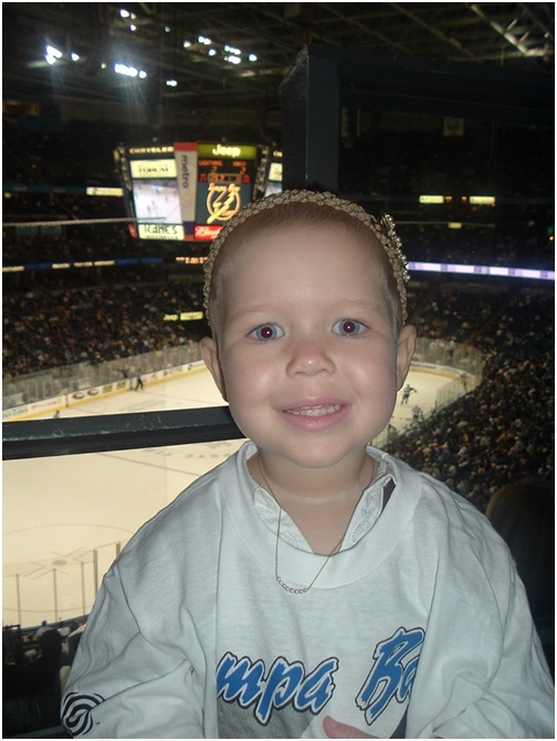 07-feb-12-adelaine-at-her-first-hockey-game-in-brad-richards-suite-for-a-lightning-game