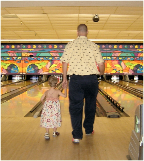 june-12-2007-adealine-and-dad-bowling-with-brad-richards