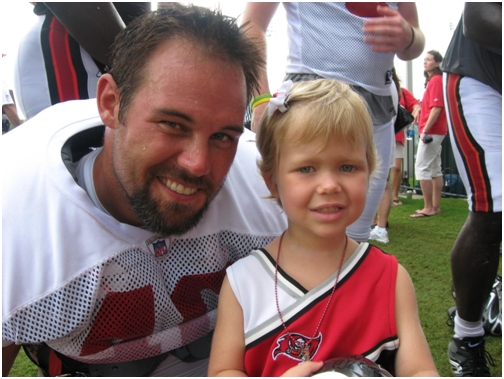 august-10-2007-adelaine-and-mike-alstott-at-training-camp-days-before-he-retires
