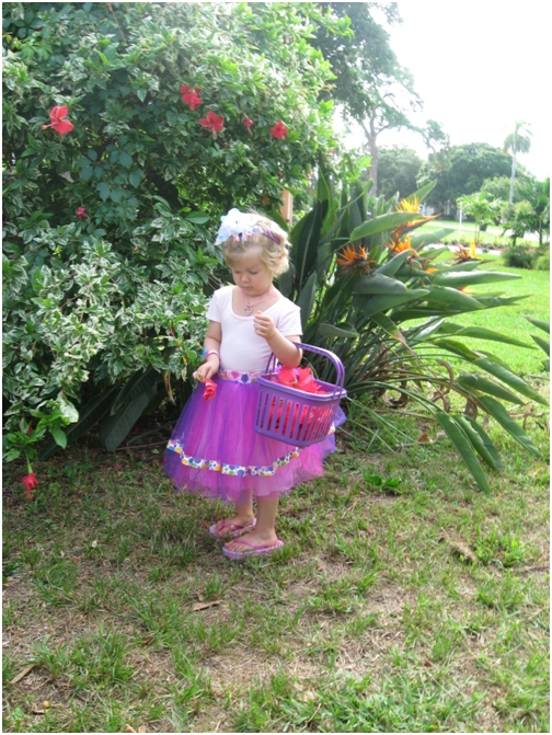 sept-11-2007-4-adelaine-picked-hibiscus-flowers-for-her-teachers-at-childrens-cancer-center-today