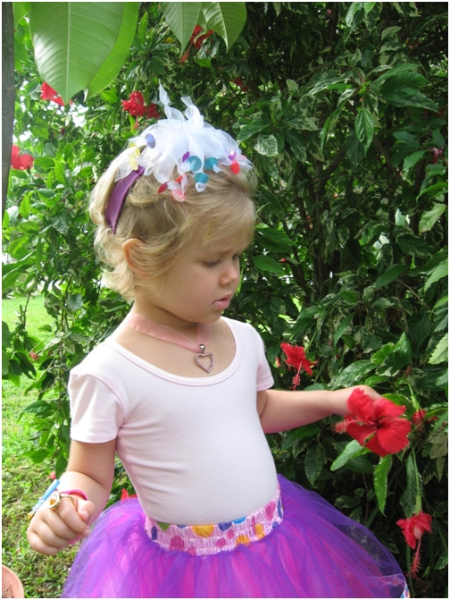 sept-11-2007-5-adelaine-picked-hibiscus-flowers-for-her-teachers-at-childrens-cancer-center-today