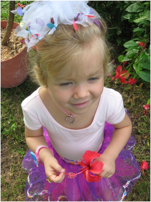 sept-11-2007-6-adelaine-picked-hibiscus-flowers-for-her-teachers-at-childrens-cancer-center-today